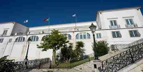 Visita a não perder. Palácio dos Conde de Óbidos vista da Gare Maritima