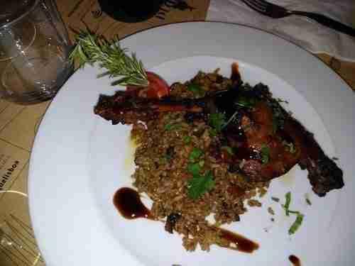 Comida boa, Perna de Pato confitada em vinho do Porto e azeite de ervas, com arroz de enchidos