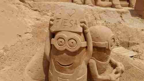 Sand City. Os Minions gostam de aqui estar.